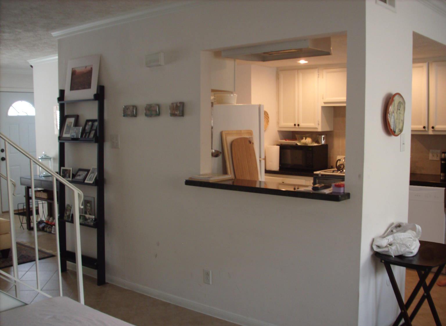 4505 Acacia Bellaire living den to kitchen